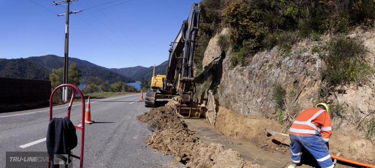 2.1m Hydraulic Rocksaw trenching, Tru-Line Civil, Whatamango Bay, Marlborough Sounds, documentary photography, Project K.A.R.E.N. (Kiwi Advanced Research and Education Network)