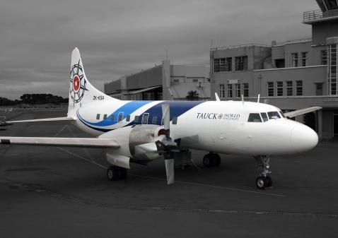 Convair_new_Pionair_TAUCK_livery-1