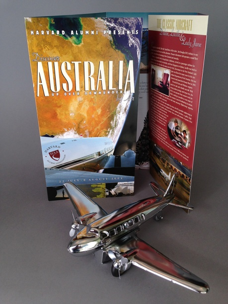 Pionair / Harvard Alumni Association 'Discover Australia by air' brochure, front cover.