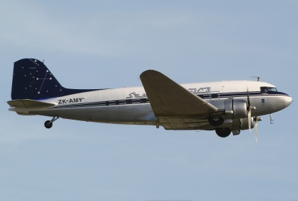 Southern DC3, side elevation at take off, Southern DC3 Trust logo, signature Southern Cross livery, designed in 1930s period style, Photo: Martin Eadie, Airliners.net, Brands for New Zealand organisations, Christchurch, New Zealand.