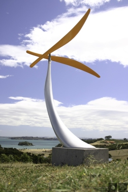 Toroa. Kinetic sculpture by Phil Price.