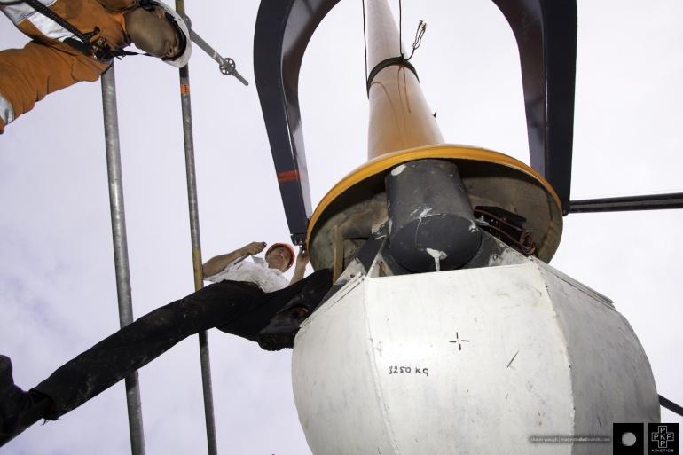 Zephyrometer_reinstall_Titan_crane-0352