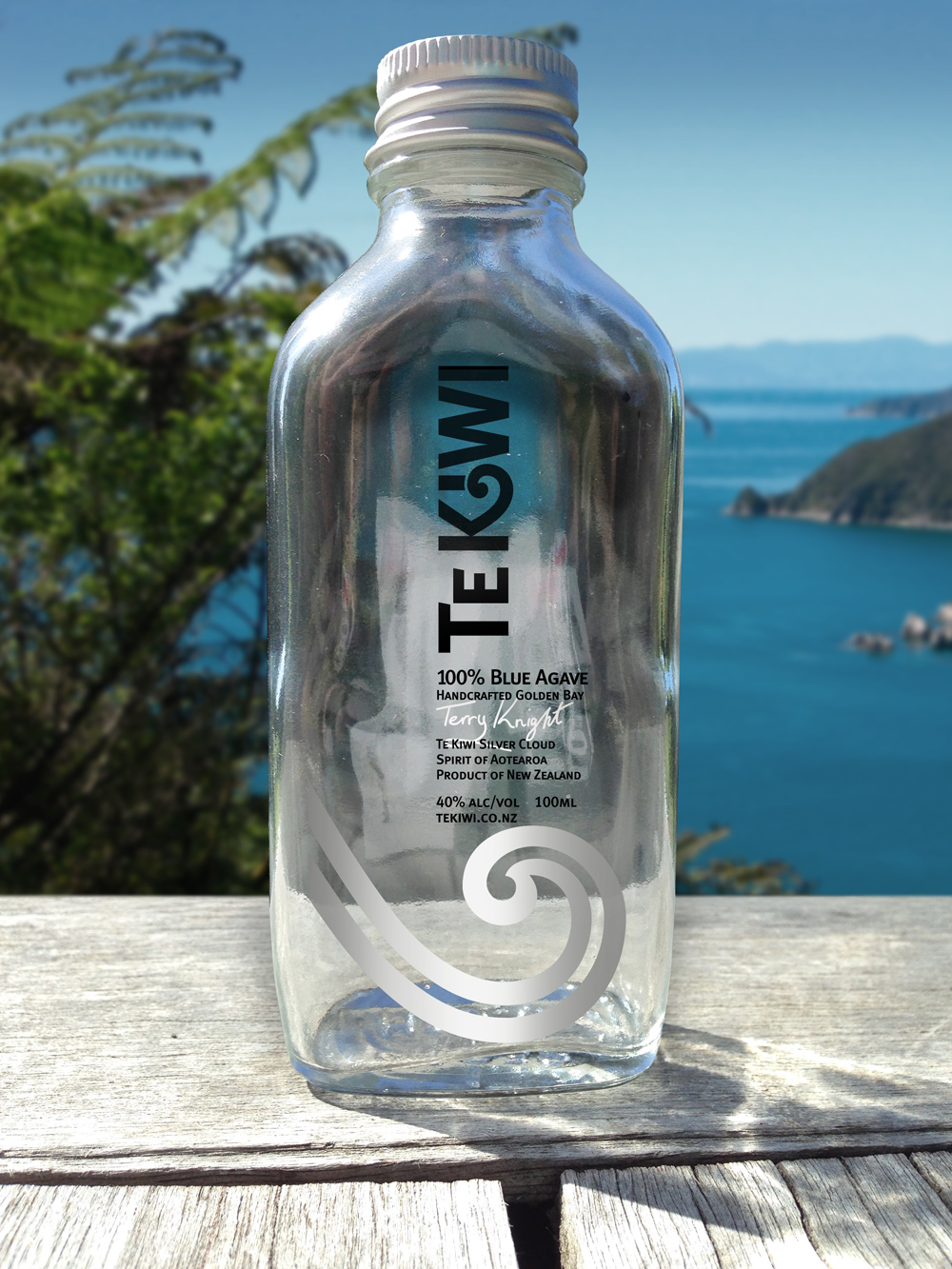100ml sample bottle label, Te Kiwi Silver Cloud 100% Blue Agave, cultivated and small batch distilled in Golden Bay. Spirit of Aotearoa, Product of New Zealand. 40% Alc/Vol, 100 ml, www.tekiwi.co.nz. Sample bottles of TeKiwi are a useful sales and marketing premium in ongoing marketing and promotional efforts.