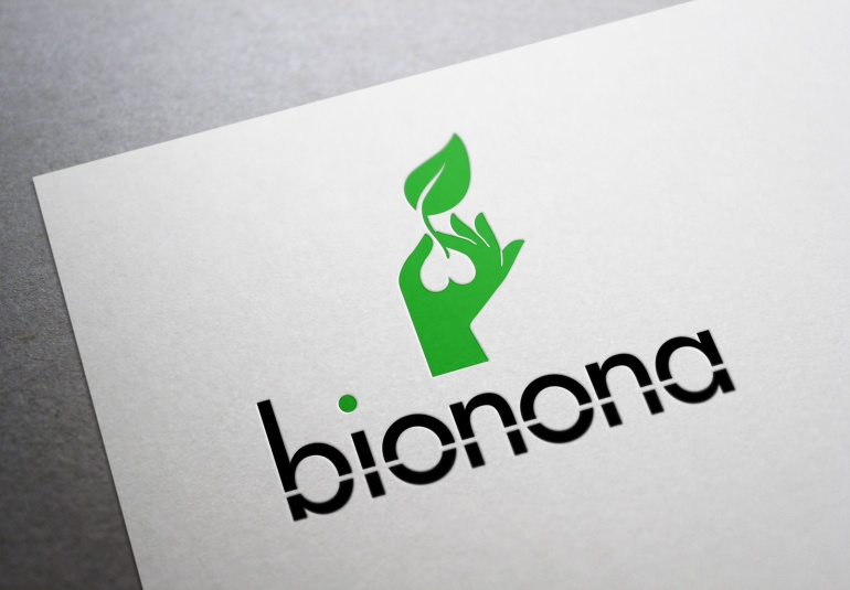 Side-by-side comparison of a Bionona brand in the manner of Decima.