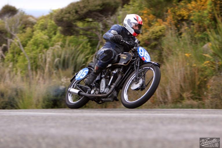 Bluff HIll Climb, Burt Munro Challenge, Flagstaff Road, Motupohue, New Zealand, NZ Hill Climb Champs, Neville Mickleson, Rider 95, Velocette KTT MKIV 350