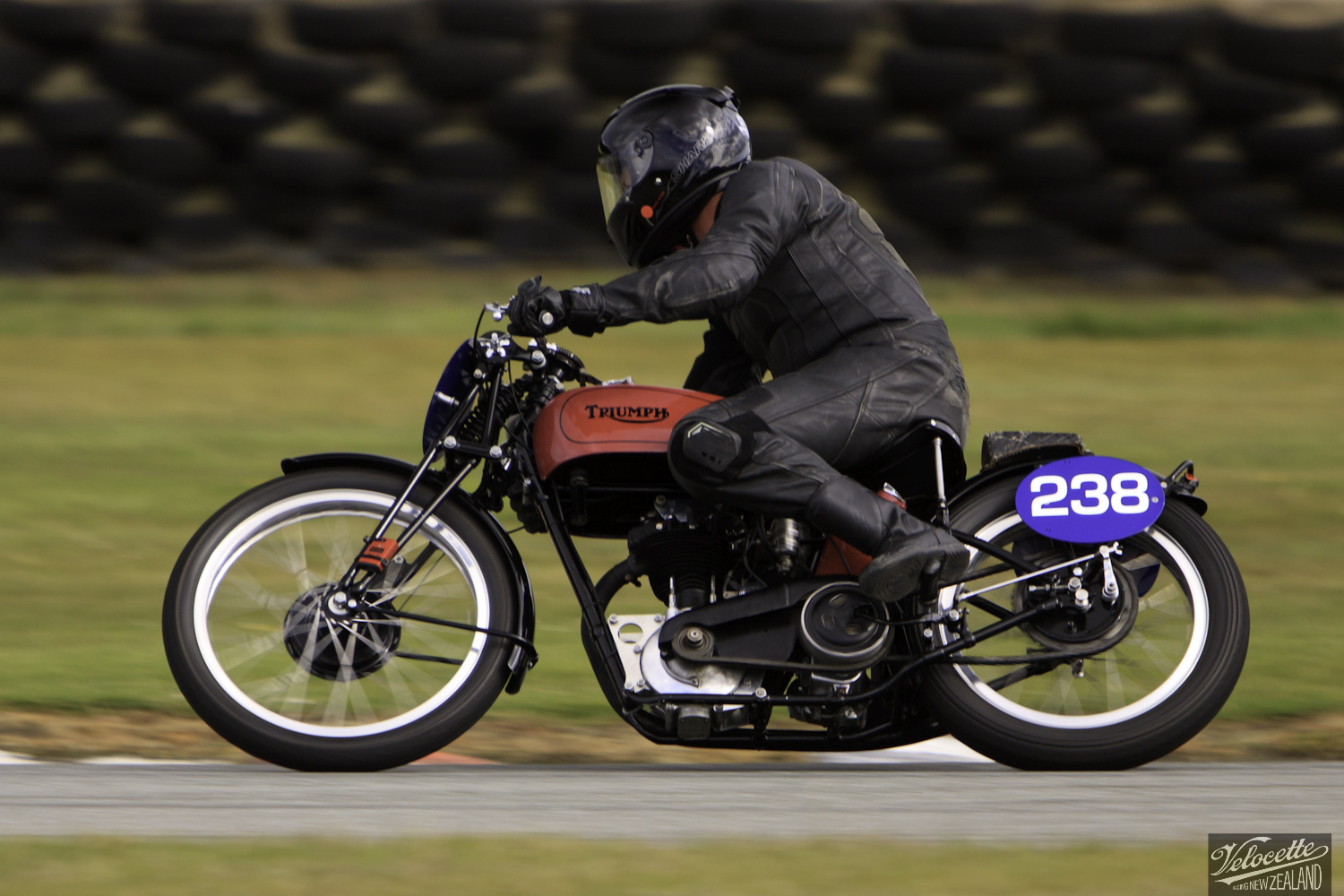 Bruce Aitken, Burt Munro Challenge, Classic Pre '63 with Girder Forks, Rider 238, Teretonga Circuit races, Triumph T80 350