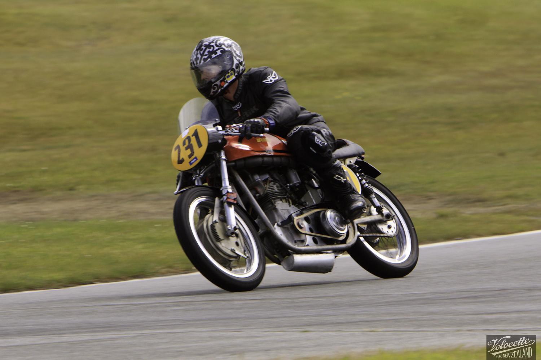 Burt Munro Challenge, Classic Motorcycle Racing, Cloud Craig-Smith, New Zealand, Post Classic Pre '72, Rider 231, Teretonga Circuit races, Weston Weslake Norton Special 500