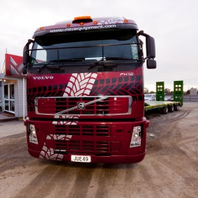 MTC's Volvo FH12 is a supergraphic moving billboard.
