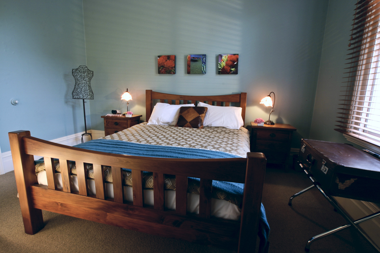 Pomeroy's on Kilmore Boutique Accommodation guest room 4 of 5.