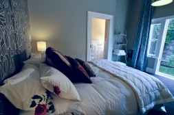 Pomeroy's on Kilmore Boutique Accommodation guest room 5 of 5.