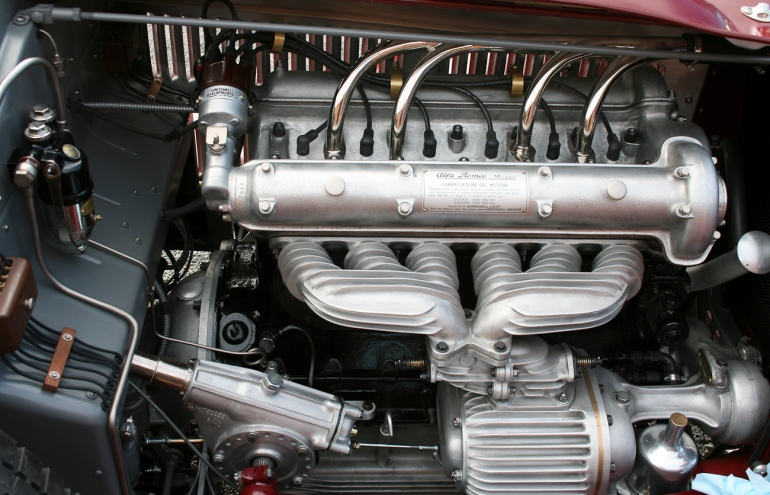 Alfa Romeo 6C 2300 Monza engine, right side.