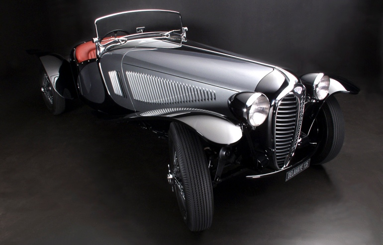 Custom body Delahaye 135 roadster, front three quarter view.